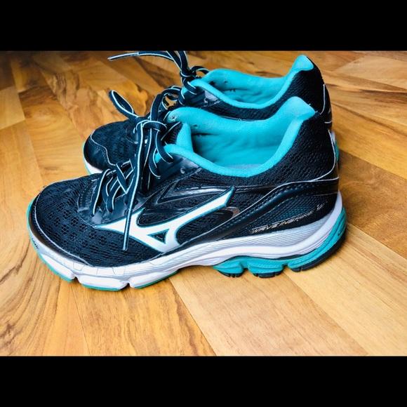 6747ab37ee38 Mizuno Shoes | Wave Inspire 12 Womens Size 7 Running Shoe | Poshmark